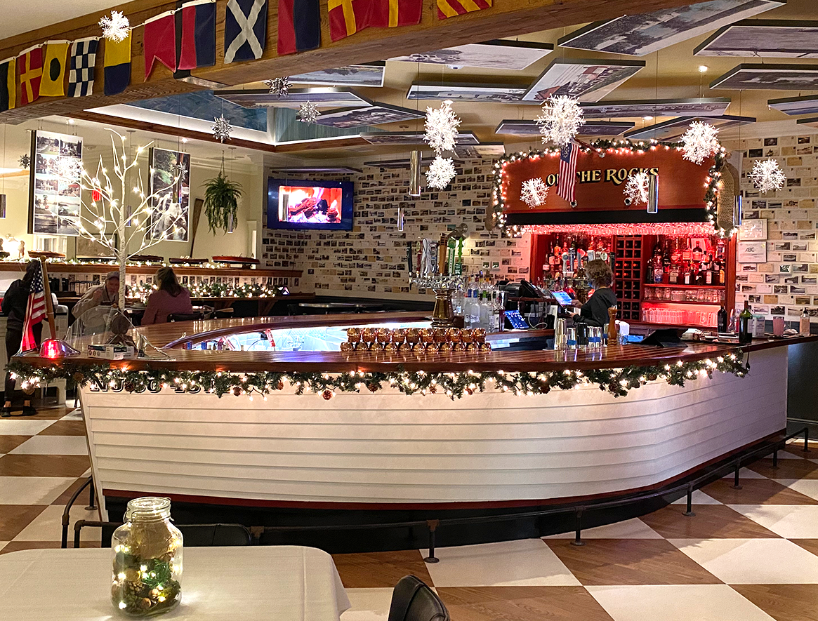 The bar at the Windlass decorated for the holidays.